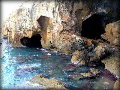 Zona norte de la cueva con sus múltiples accesos
