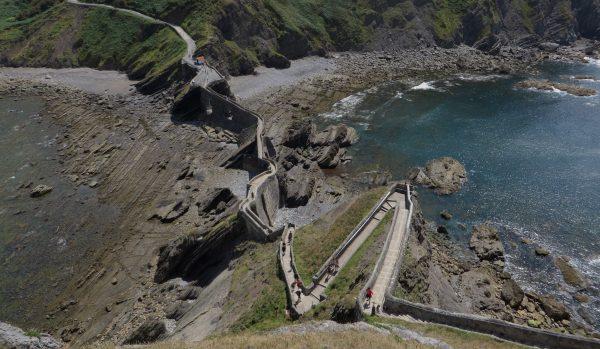 Vista de las escaleras desde la ermita
