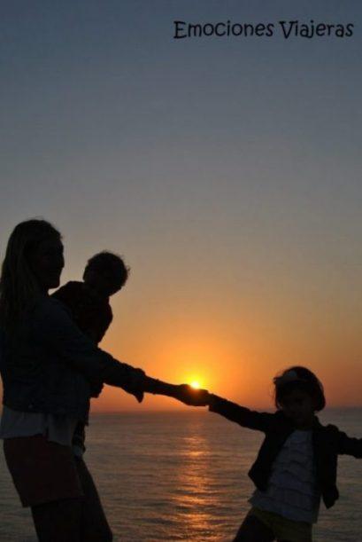 Atardecer en el Algarve junto a tus hijos.