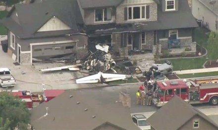 Piloto derruba avião em sua própria casa após discussão com a esposa