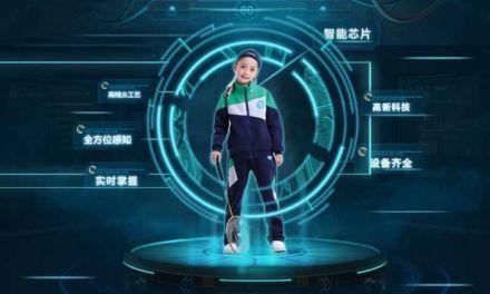 Escolas chinesas introduzem uniforme com microchip para rastrear alunos
