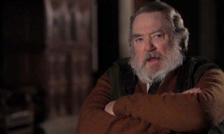 Albert Finney, ator de Skyfall, morre aos 82 anos