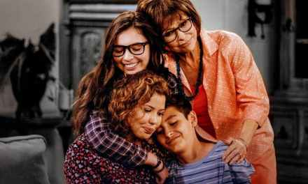 Crítica | One Day at a Time: 2ª Temporada – O Amadurecimento da Família Alvarez