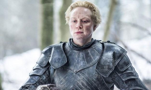 """Atriz de Game of Thrones quebra silêncio após ter inscrito a si mesma no Emmy e admite: """"Foi difícil"""""""