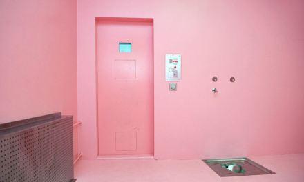 Cool Down Pink | Pratica comprova conter a agressividade dos prisioneiro