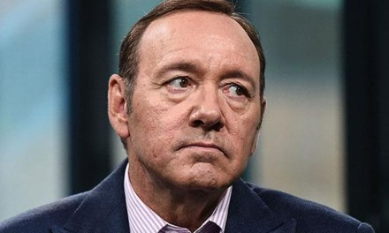 Massagista que processava Kevin Spacey de assédio morre misteriosamente