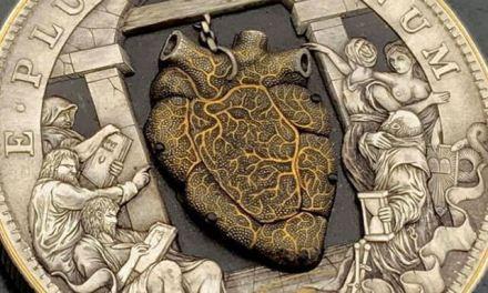Confira uma incrível moeda com um coração pulsante