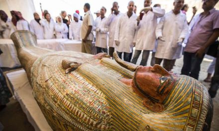 30 sarcófagos de 3.000 anos foram encontrados perto de Luxor
