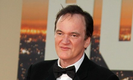 Tarantino afirma que Predadores Assassinos é seu filme favorito de 2019