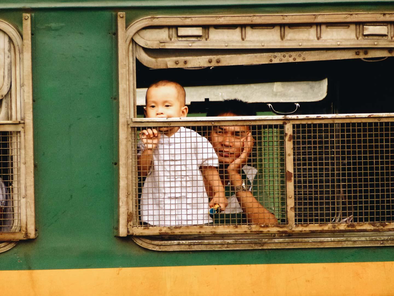 gare dong hoi vietnam