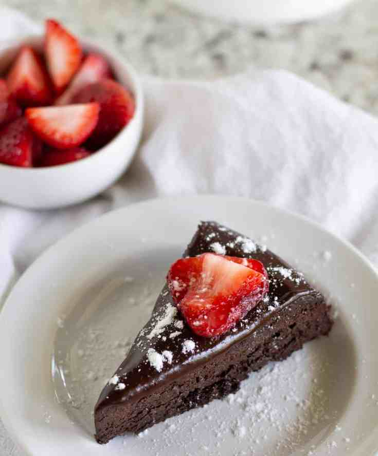 Paleo And Keto Flourless Chocolate Cake With Ganache