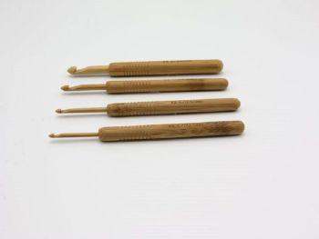Crochet con punta de bambú