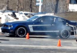 Mustang vs 2013 Boss 302 Raceway Park