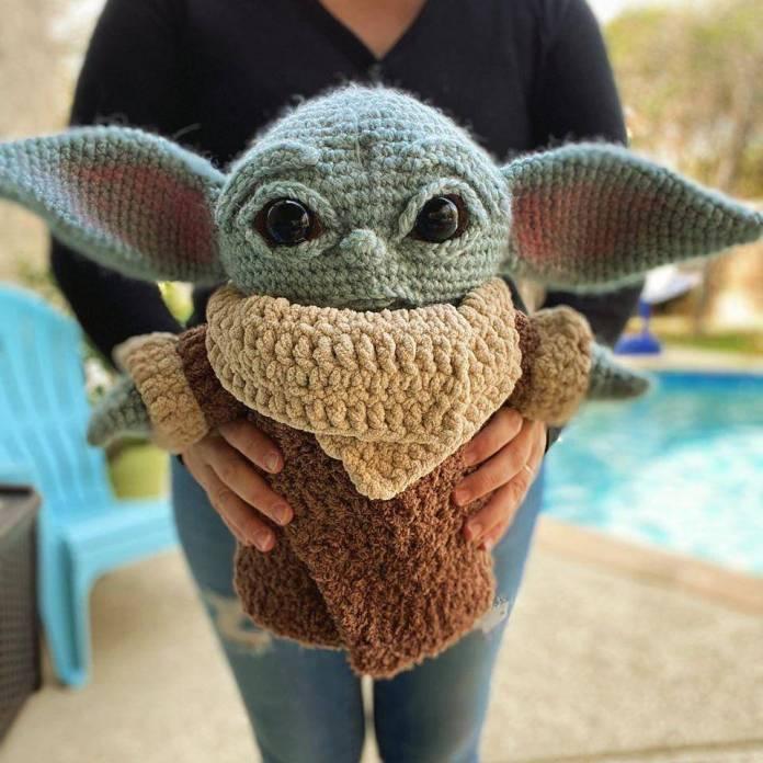 Disney va contra vendedores de productos de Baby Yoda 1