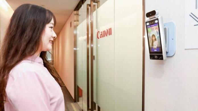 Oficinas de Canon solo permitirán la entrada de empleados sonrientes 1