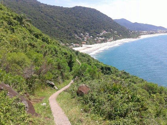 trilha-para-a-praia-do