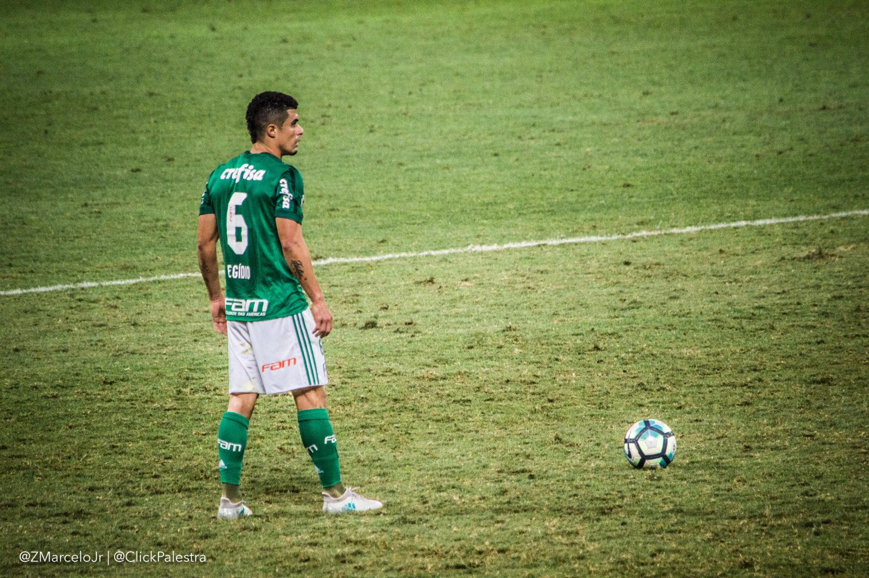 Palmeiras sai na frente e cede empate ao Bahia no Pacaembu