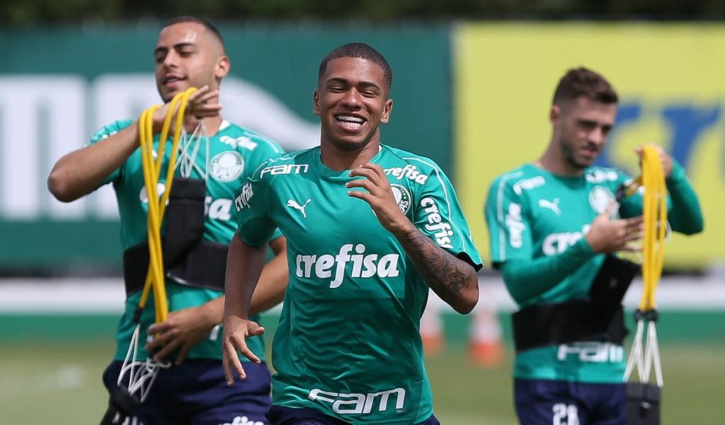 Palmeiras Renova Contrato De Lucas Esteves Ate 2024