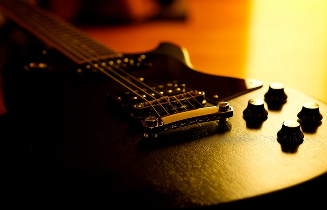 guitar-sunrise-new-year-nostalgia