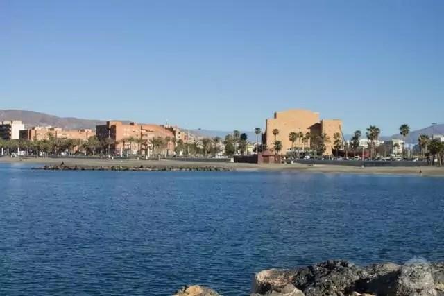Panorámica del paseo marítimo de Almería