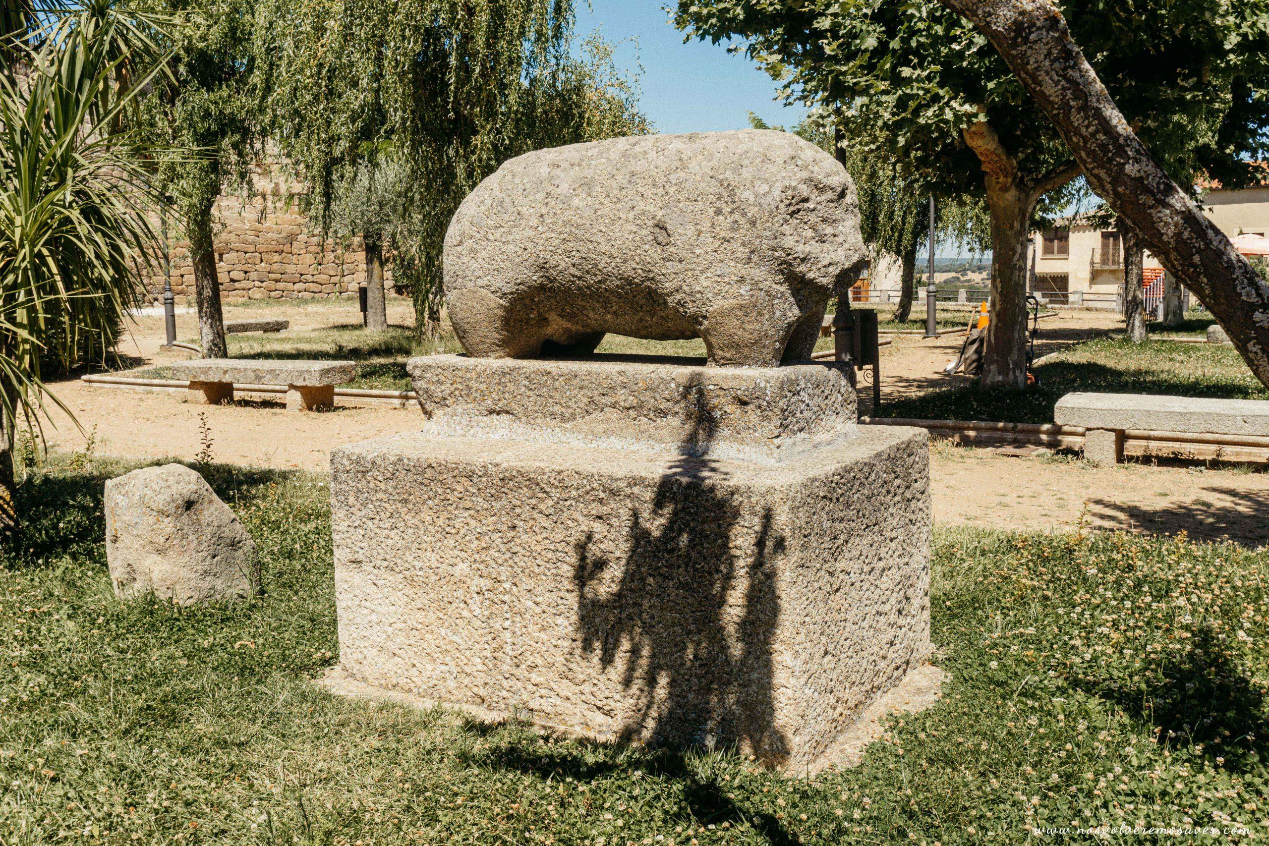 Verraco de piedra
