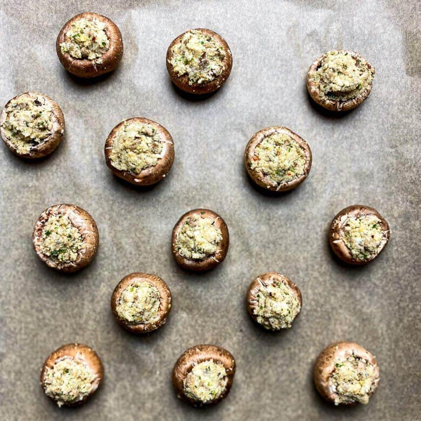 vegan stuffed mushrooms with breadcrumbs