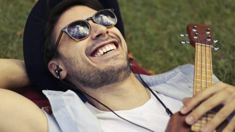 Homme : choisir ses lunettes de soleil