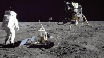 first moon landing and moon walk