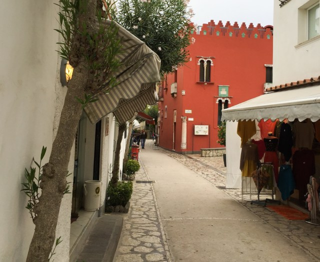 The historic center of Anacapri is beautiful. Here you can see the Casa Rossa.