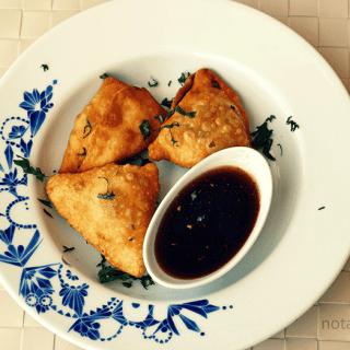 Samosa with tamarind chutney