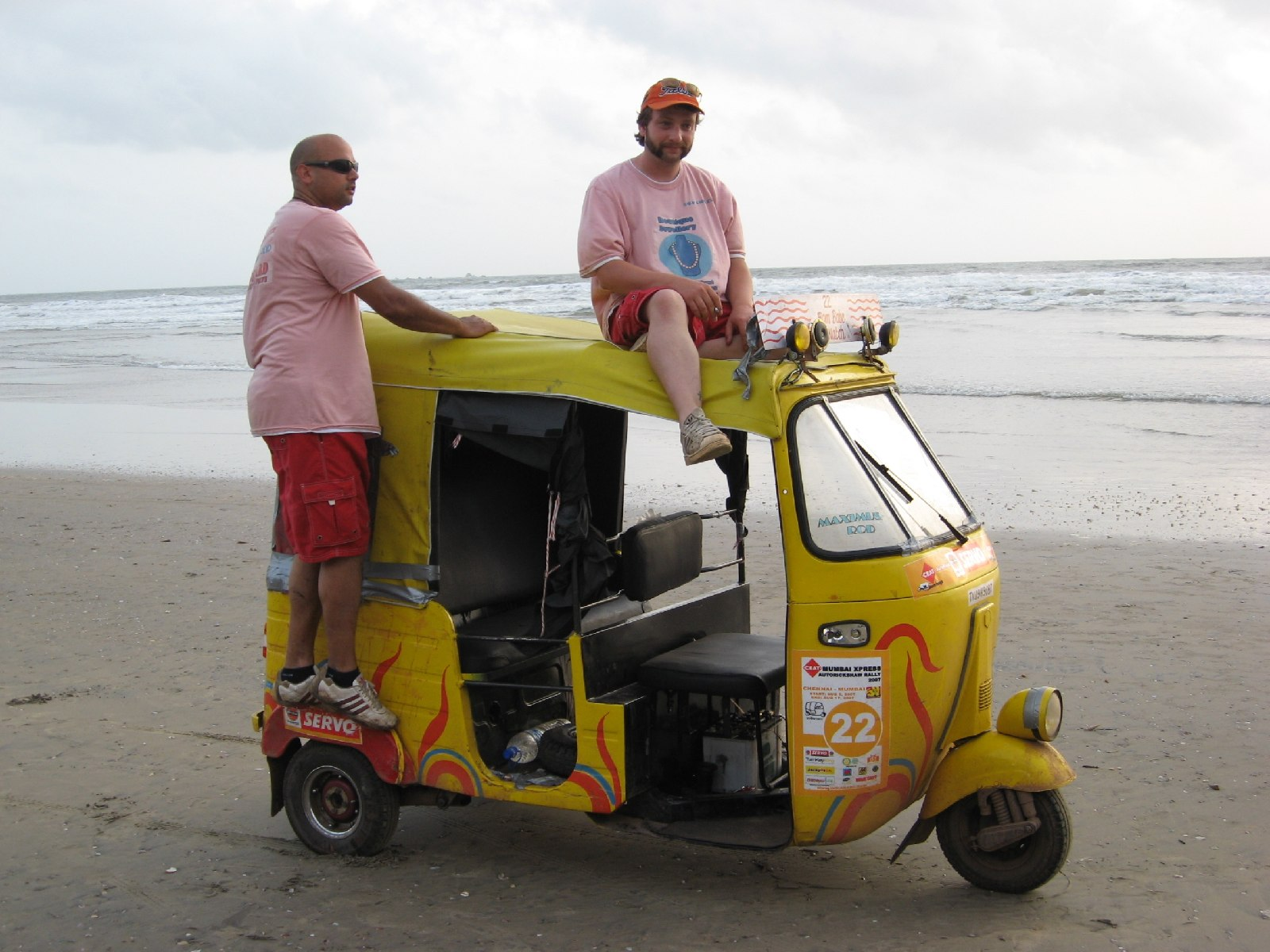 The Rickshaw Challenge - A Three Wheeled Race Across India