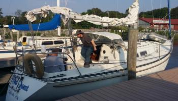 Catalina 25 Tall Rig Sailboat Review - Postcards from the Edge