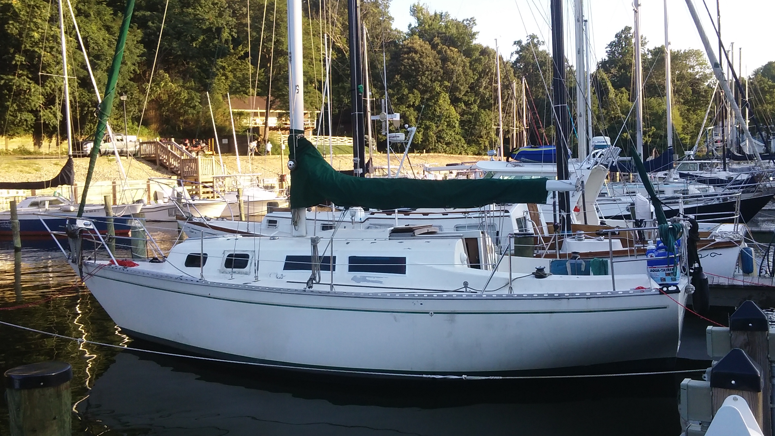 Review of the Columbia 8.7 Sailboat