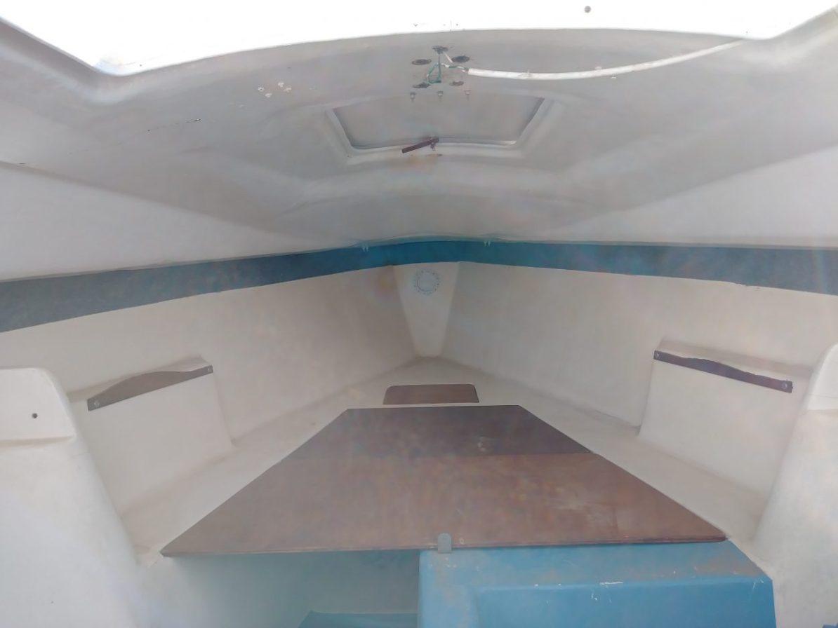 V-Birth of the Laguna Windrose 22 MK1 Sailboat