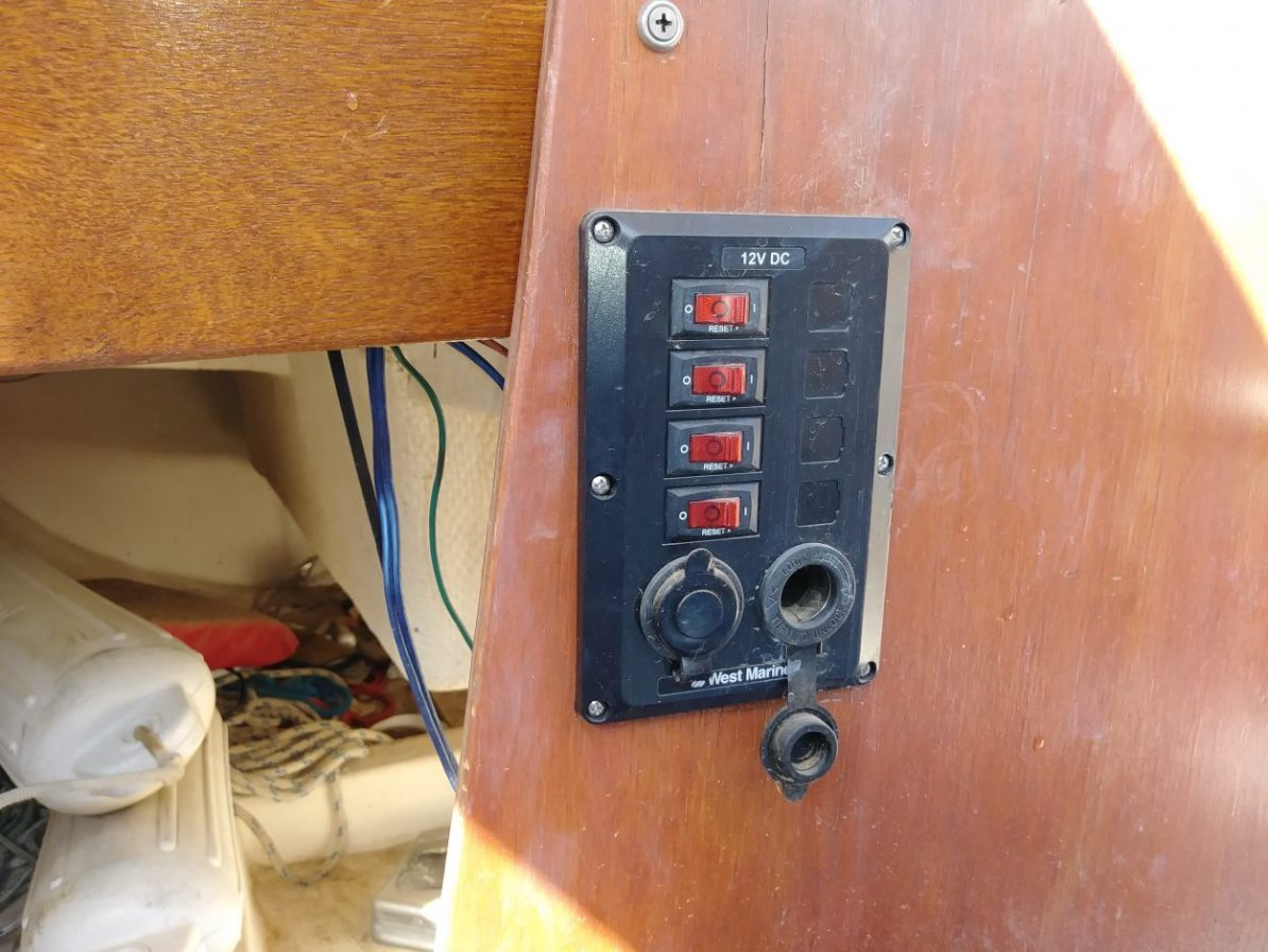 Circuit breaker on the Laguna Windrose 22 MK1 Sailboat