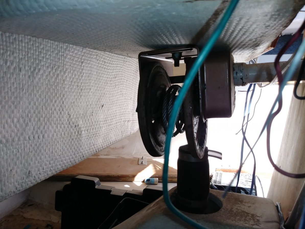 Swing Keel Winch for the Laguna Windrose 22 MK1 Sailboat