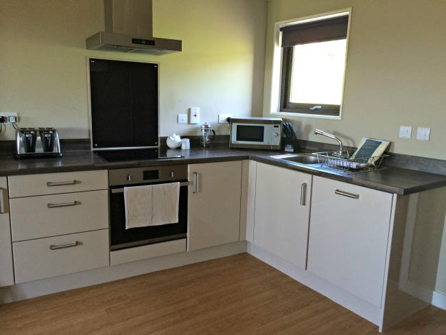 bluestone-wales-kitchen