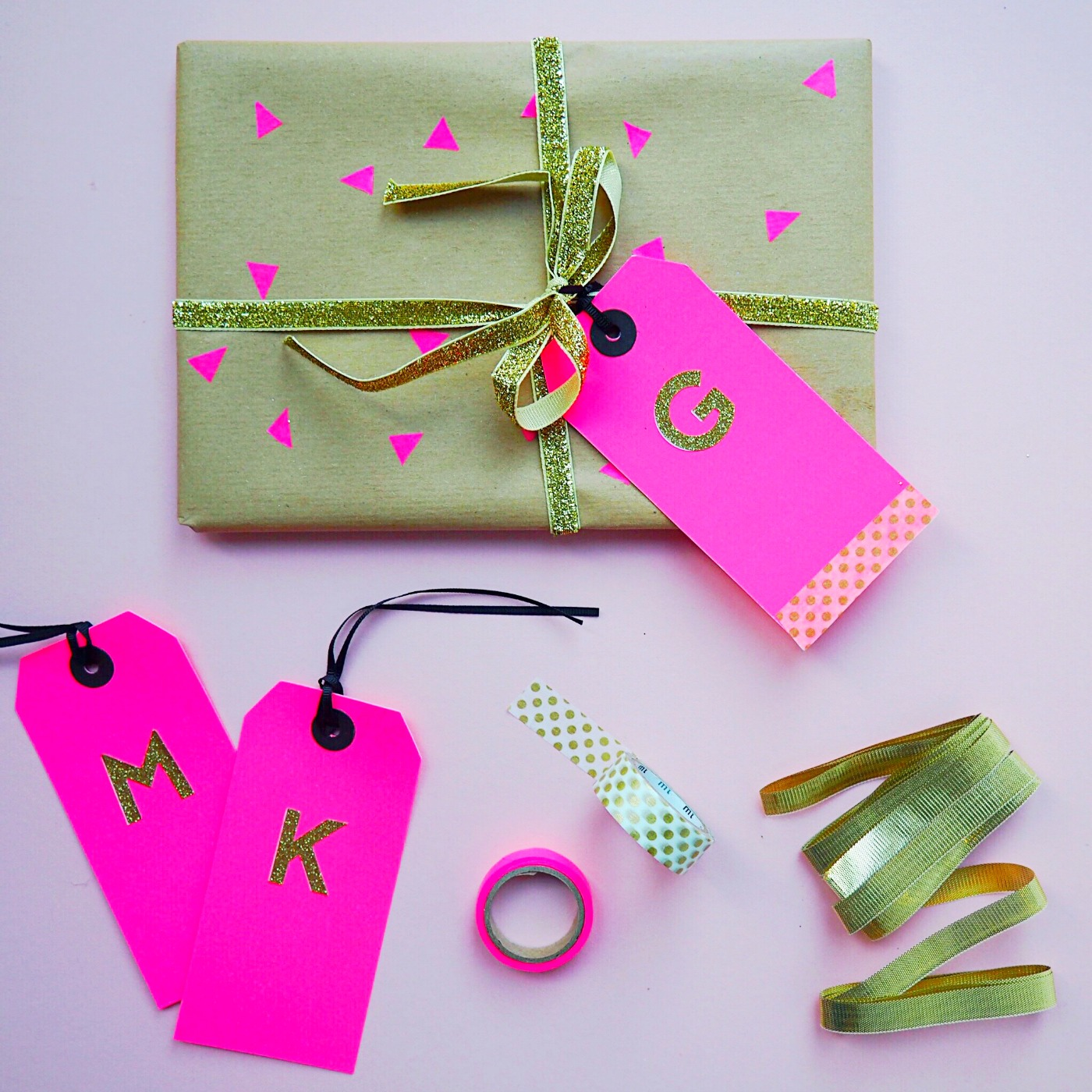 Make your own DIY personalised gift wrap
