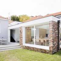 Recycled brick extension to a 1920s cottage by Studio Prineas