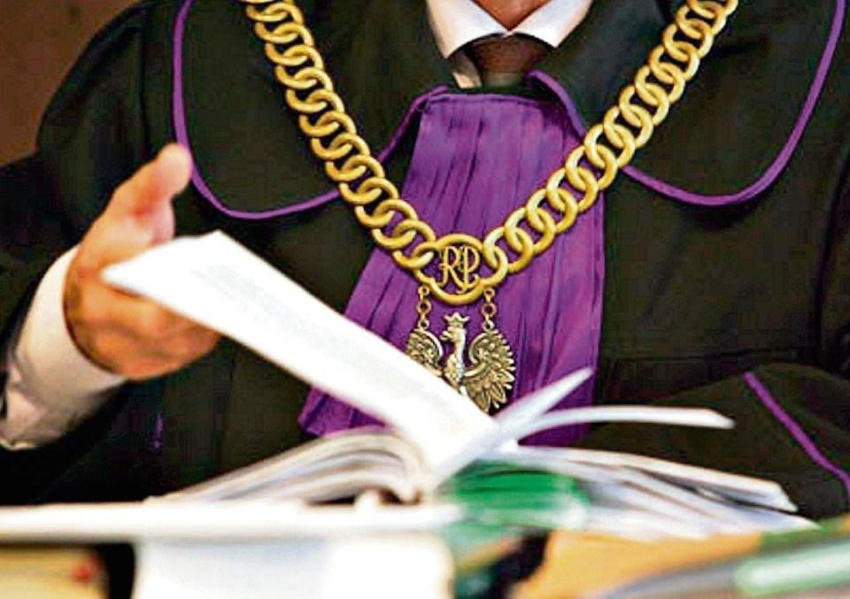 Postępowanie spadkowe - przed sądem czy u notariusza?