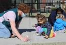 Los CDC actualizan guía de covid-19 para programas de cuidado de niños