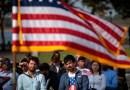 La administración de Biden anuncia el fin de una regla de la era Trump que rechazaba ciertas solicitudes de inmigración con espacios en blanco
