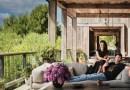 Mila Kunis y Ashton Kutcher abren las puertas de su impresionante casa inspirada en un establo
