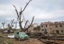 Tornado inusual deja al menos 3 muertos y decenas de heridos en República Checa
