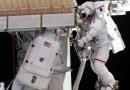 Astronautas instalarán un panel solar gigante fuera de la Estación Espacial Internacional