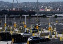 Aumenta la presión sobre el gobierno de Biden para levantar las restricciones por el covid-19 en las fronteras de EE.UU.