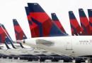Delta Air Lines anuncia sanciones para los empleados no vacunados