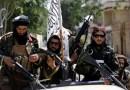 Los talibanes aplastan a la oposición en todo Afganistán, mientras se acumula el caos en el aeropuerto