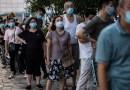El creciente brote de la variante delta en China llega a Wuhan, el epicentro original de la pandemia, mientras el país establece restricciones masivas a los viajes