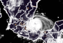 Grace toca tierra en México como huracán categoría 3